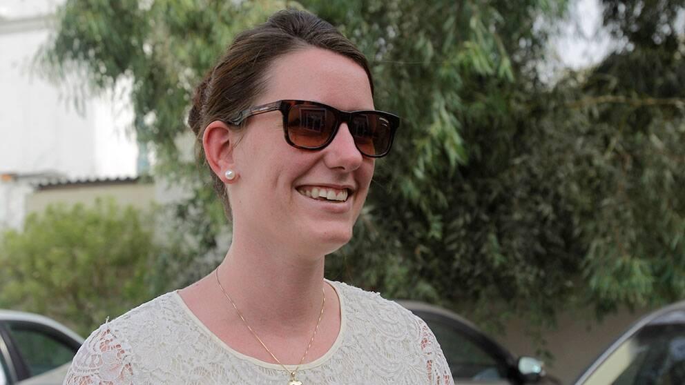 Glad Marte Deborah Dalelven utanför Norska sjömanskyrkan i Dubai på måndagen.