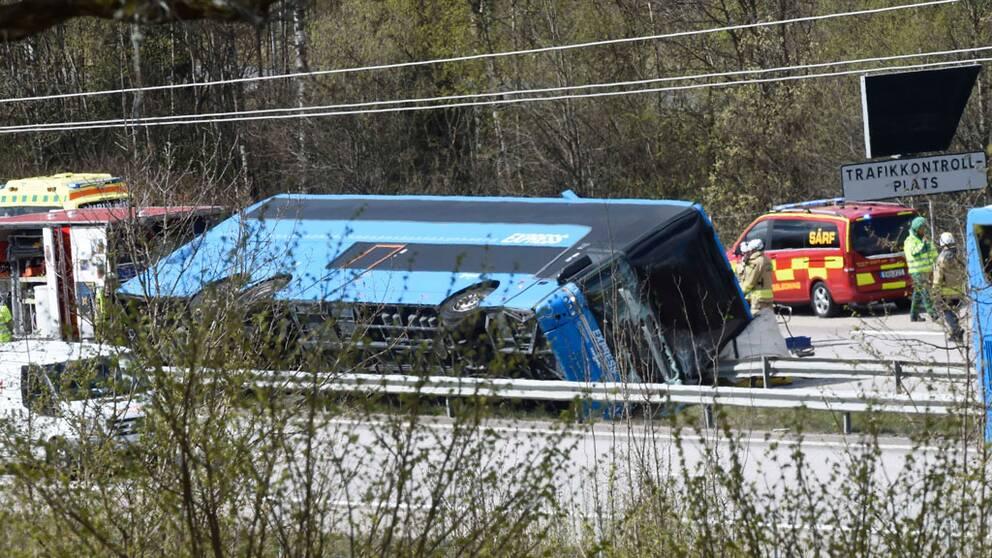 Olycka stoppar trafik pa riksvag 40