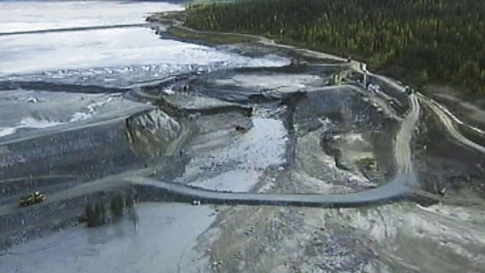Sommaren 2000 inträffade ett dammbrott i en gruvdamm vid Bolidens anläggning i Aitik i Norrbotten.