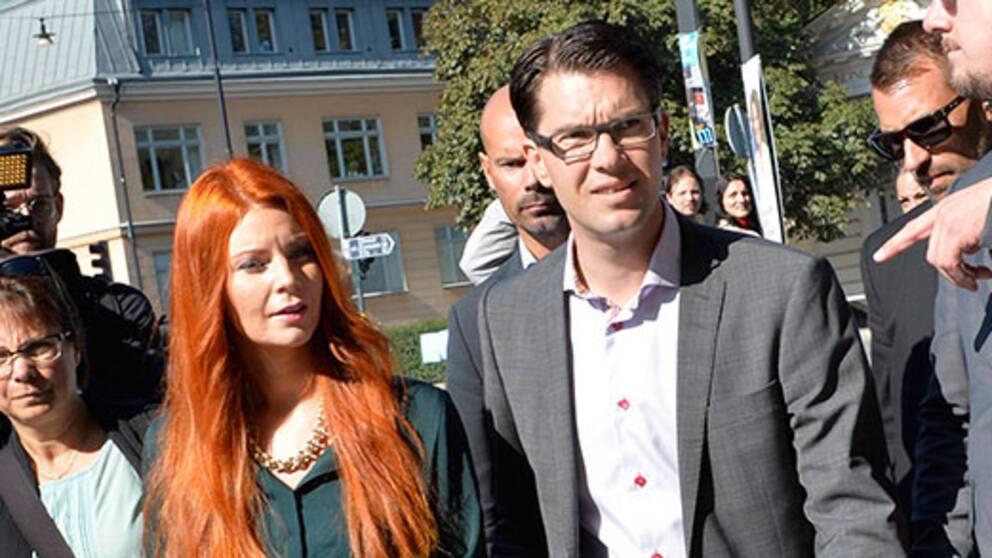 Louise Erixon (SD) och Jimmy Åkesson (SD)