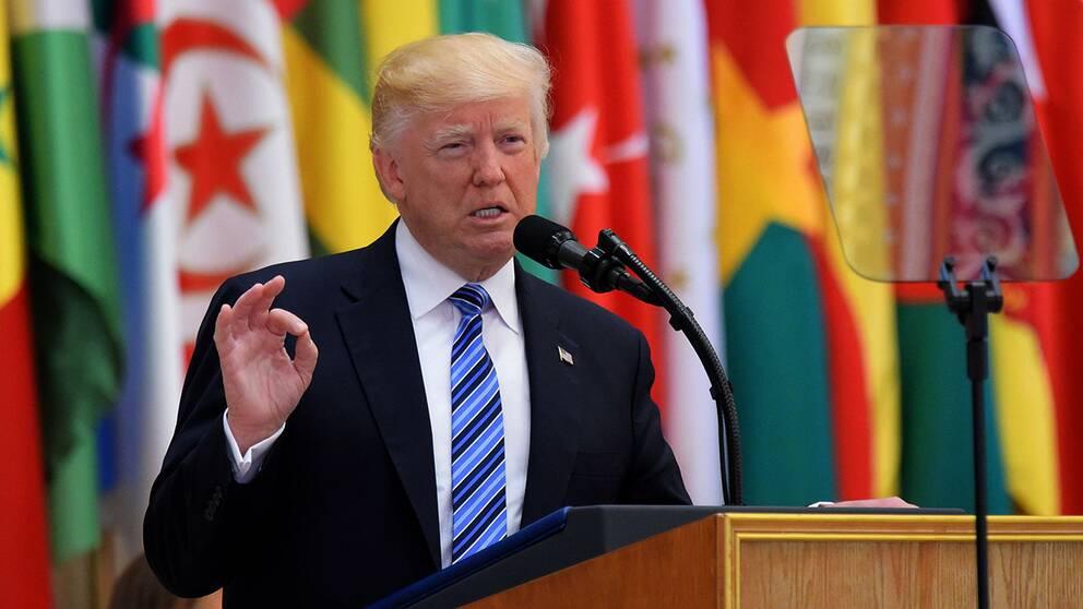 """""""Vi ska utplåna terroristerna"""", sa Donald Trump under sitt tal till 50 arabiska ledare."""