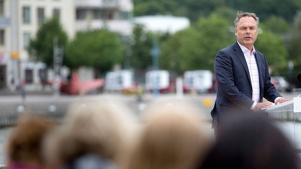 GÖTEBORG 2013-08-11 Folkpartiets ledare Jan Björklund ( FP ) höll på söndagen sitt traditionsenliga sommartal på Dockpiren i Göteborg. Foto: Björn Larsson Rosvall / SCANPIX / Kod 9200