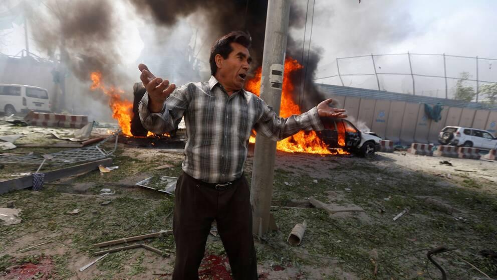 Många döda och skadade efter självmordsdåd i Kabul.