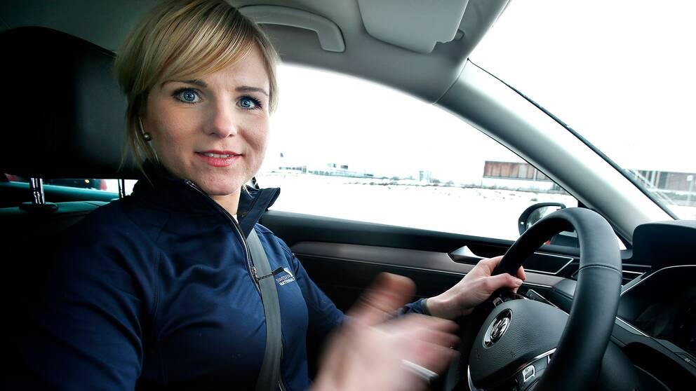 Efter att ha varit borta ett år är nu Ramona Karlsson tillbaka bakom ratten.