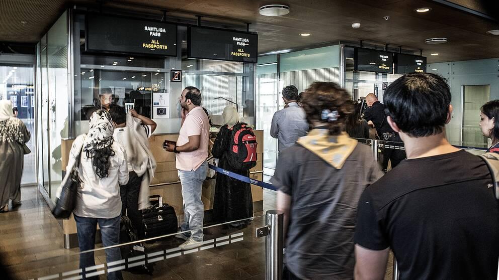 Arkivbild. Passkontroll på Arlanda.