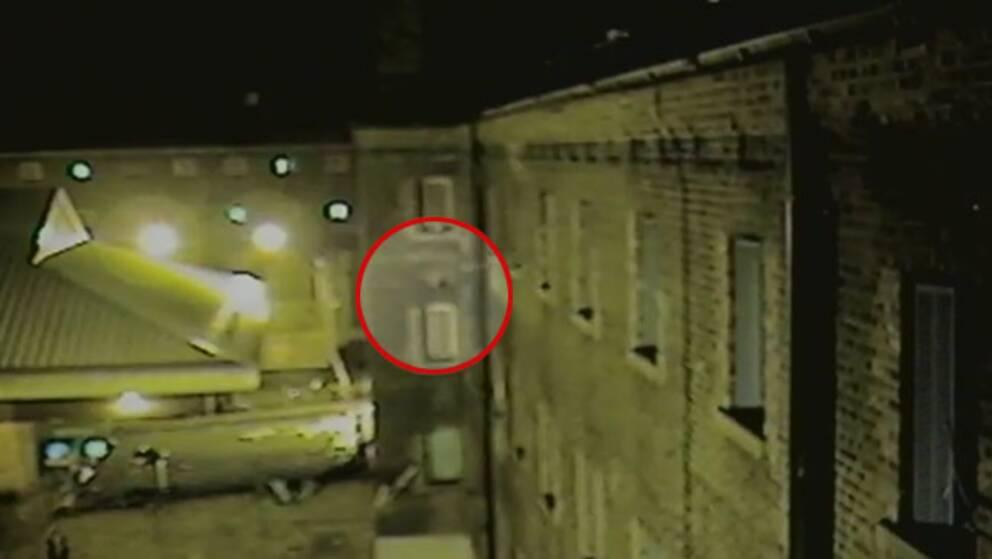 Här smugglas varor in i ett brittiskt fängelse med en drönare