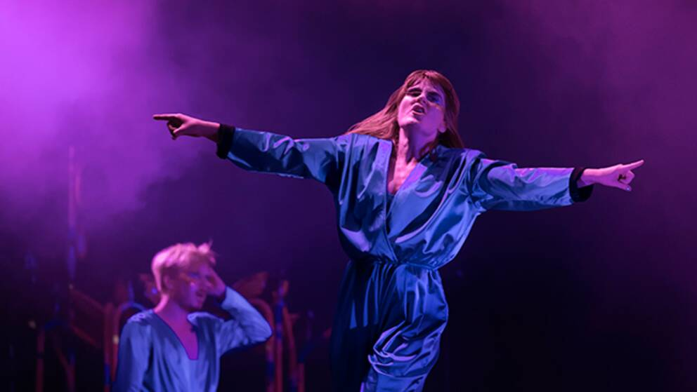 Karin Dreijer Andersson på scenen med sitt The Knife i Göteborg.