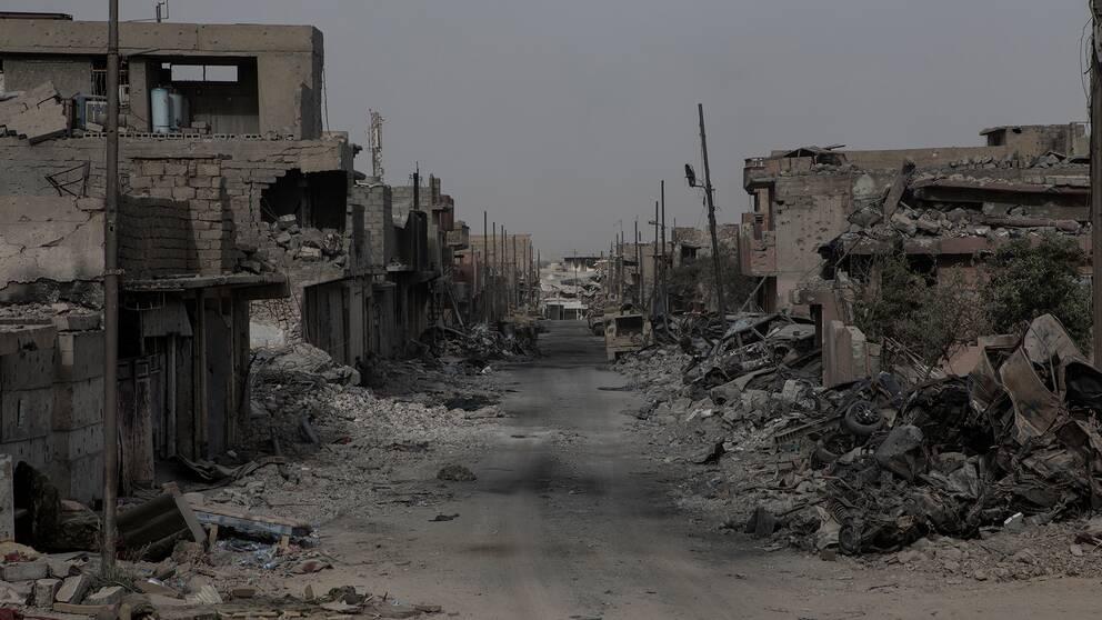 Gatorna är trånga och ibland svåra att ta sig fram på. Det är därför det är så svårt för irakiska styrkorna att avancera i Mosul.