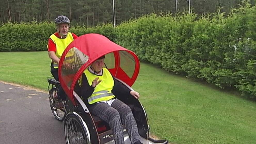 Jarl Axelsson, initiativtagare till cykel-projektet, hoppas att elcykeln ska vara givande.