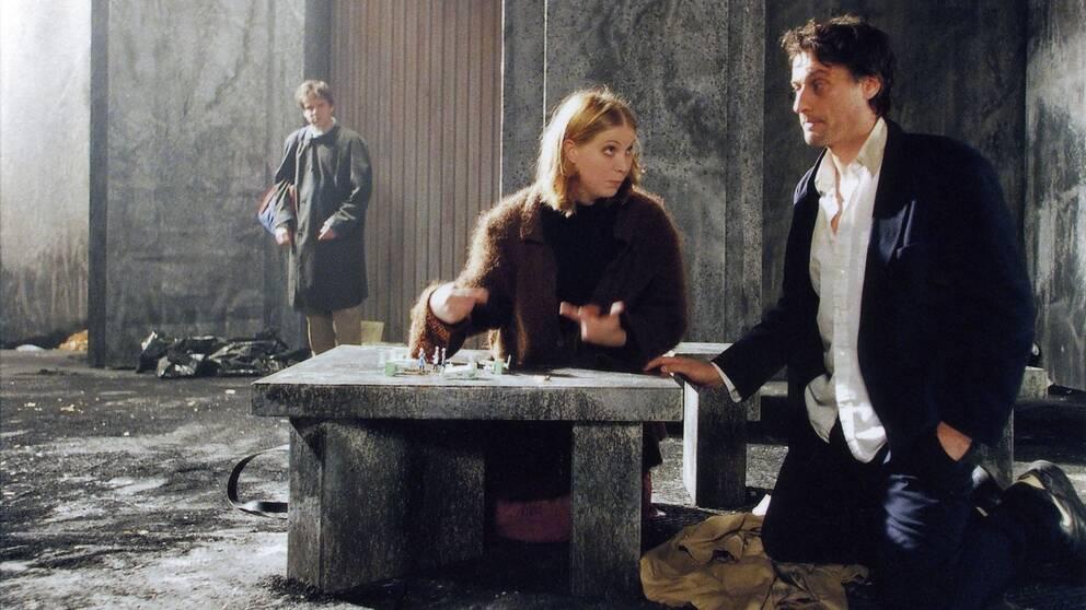 TV-inspelning av Lars Noréns pjäs. Sändes första gången 1998-11-21