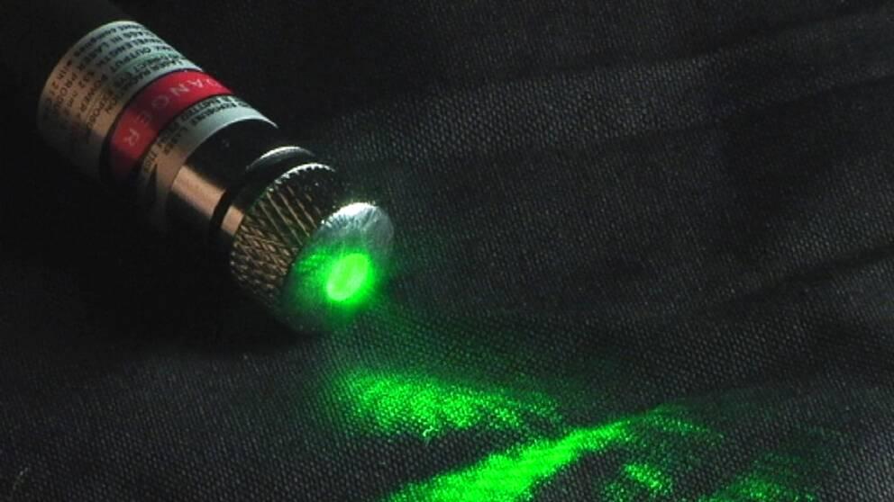 Grön laser kan skada ögonen
