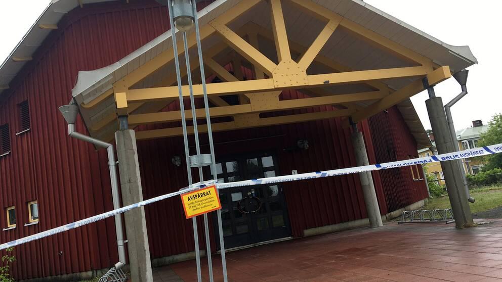 Katolska kyrkan i Luleå avspärrad med polisavspärrning.