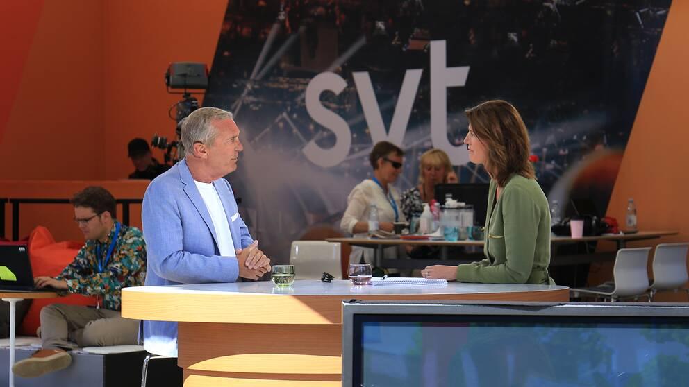 Claes Elfsberg på SVT:s scen i Almedalen.