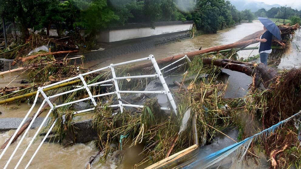 Evakueringar efter skyfall i japan