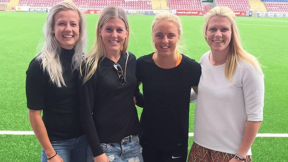 Eskilstuna United-spelarna Hanna Glas, Olivia Schough, Mimmi Larsson och Emelie Lundberg.
