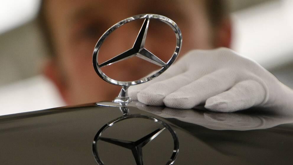 Daimler misstänks för utsläppsfusk.