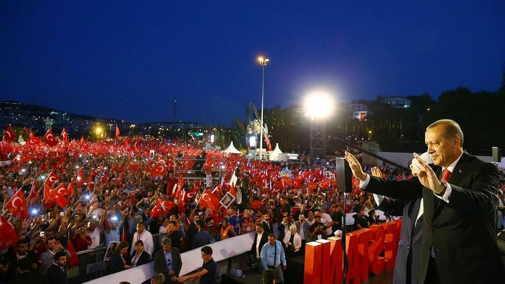 Istanbul splittrat efter valet