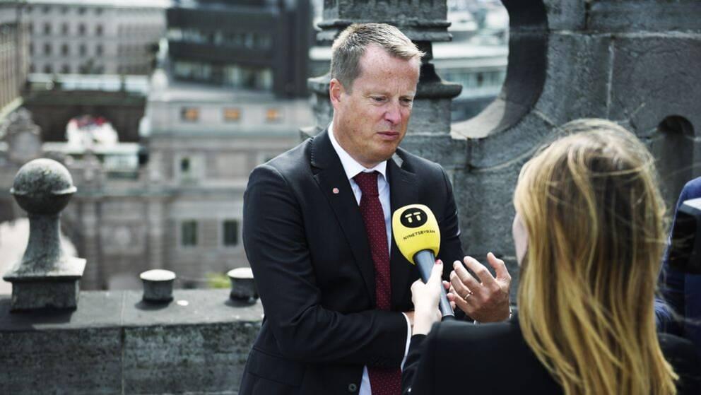 Anders Ygeman ger en första intervju efter beskedet.