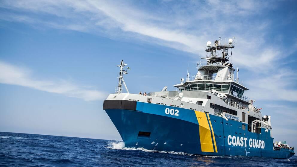 Det svenska kustbevakningsfartyget Triton har deltagit i räddningsinsatser i Medelhavet.