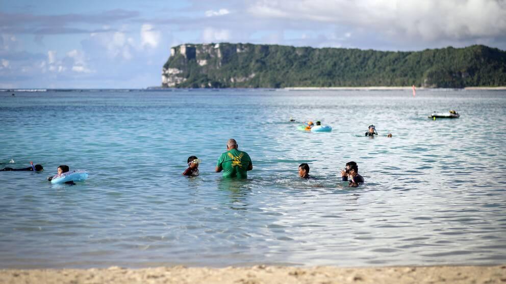Guam är ett turistparadis med vita stränder och tropiskt klimat.