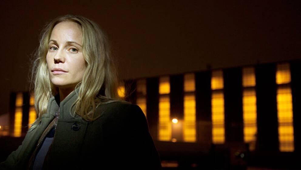 Sofia Helin i rollen som Saga Norén.