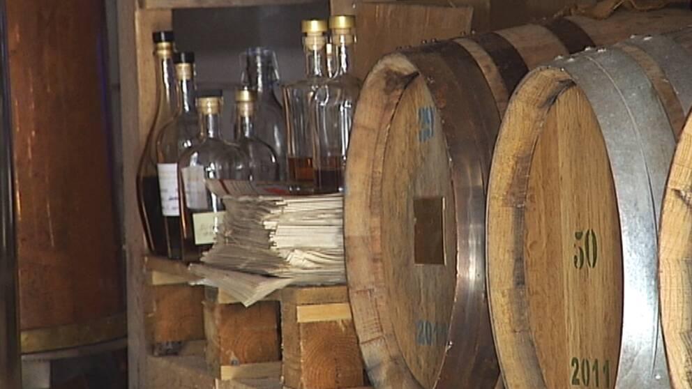 Inriktningen på destilleriet är lagring på svensk ek och korn