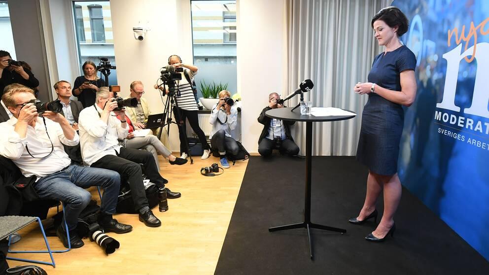 Anna Kinberg Batra meddelade på en pressträff på fredagen att hon avgår som Moderaternas partiledare.