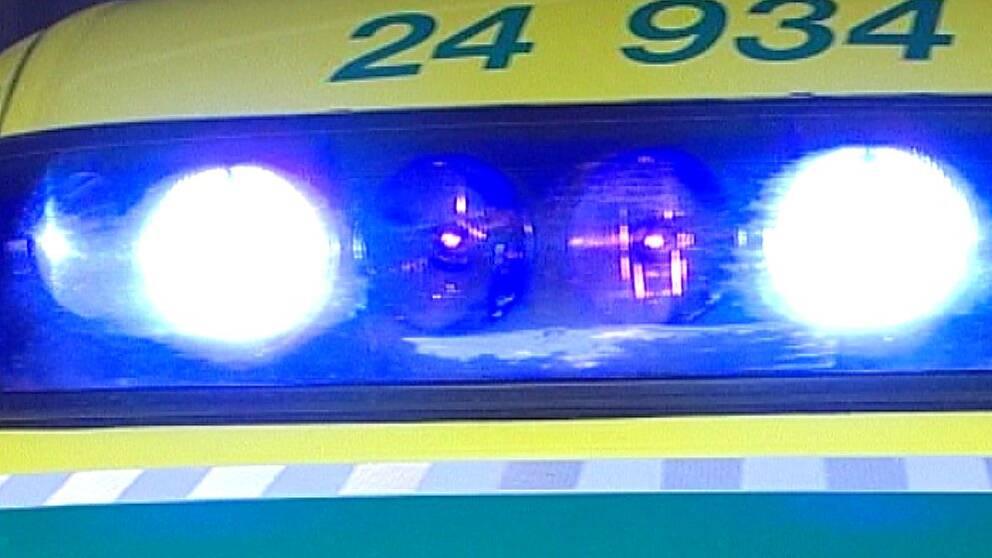 Ambulans med blåljus