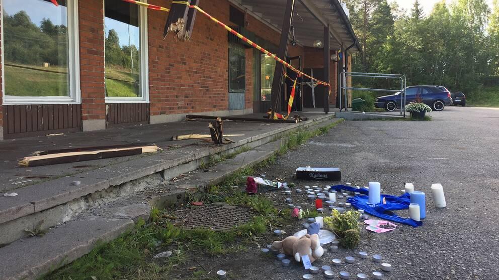 En kvinna åtalas efter dödsolyckan i Bredsand, hon hävdar sin oskuld.