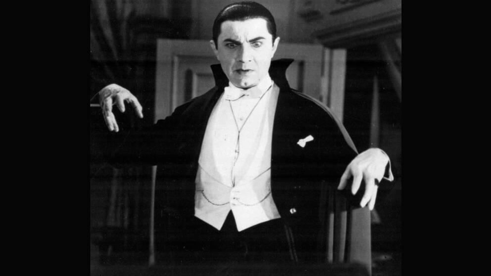 "Bela Lugosi som Greve Dracula i ""Mysteriet Dracula"" från 1931"