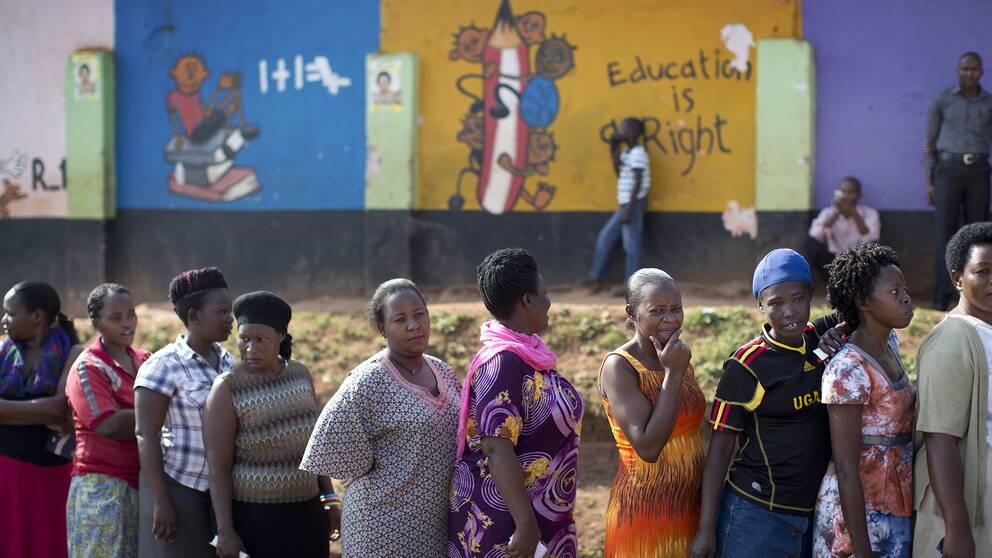 Sverige varnar uganda