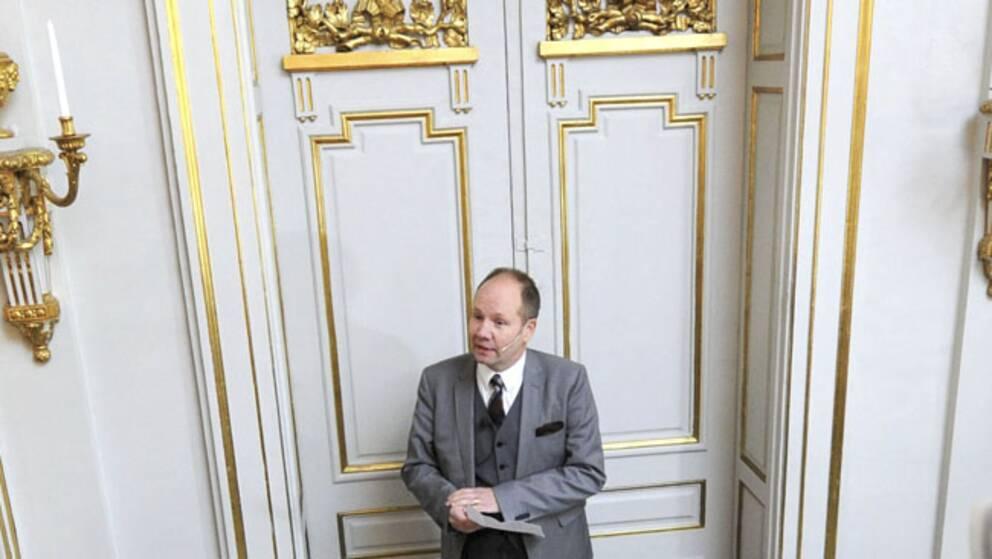 Peter Englund i Svenska Akademien vid 2012 års tillkännagivande.