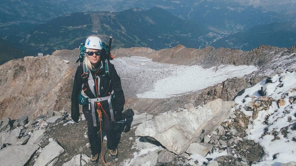 Emma Svensson bestiger Rysslands högsta berg Elbrus.