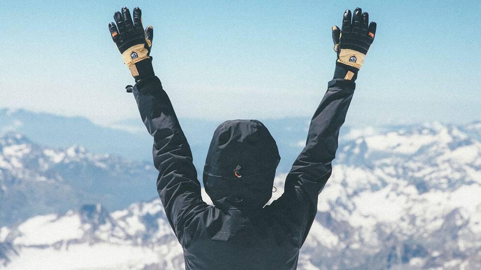 Emma Svensson på toppen av Elbrus.