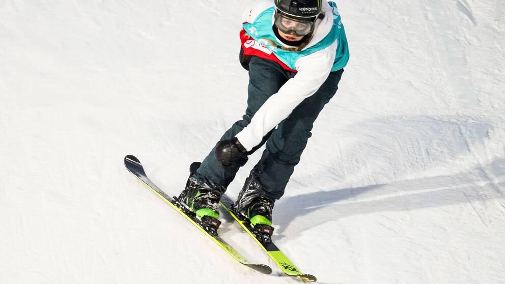 Emma Dahlström åker skidor