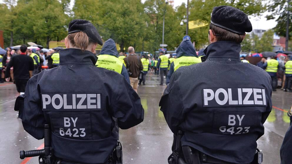 Tyska poliser på plats under Oktoberfest i München.