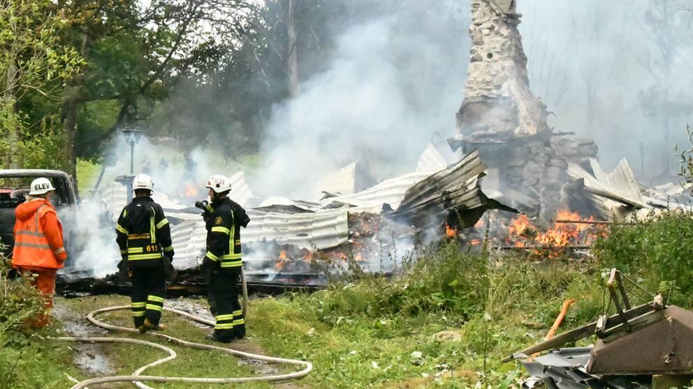 Flera skadade nar militartalt brann