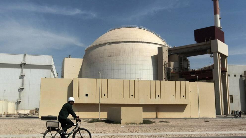 Iran avstar helt fran anrikning av uran