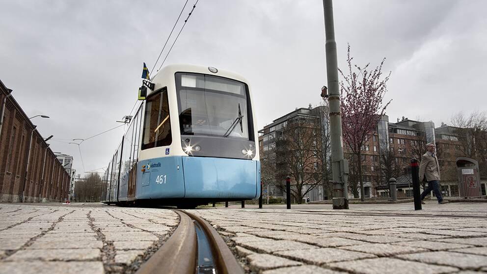 Den nya rösten på Göteborgs spårvagnar har nu fått ett namn.