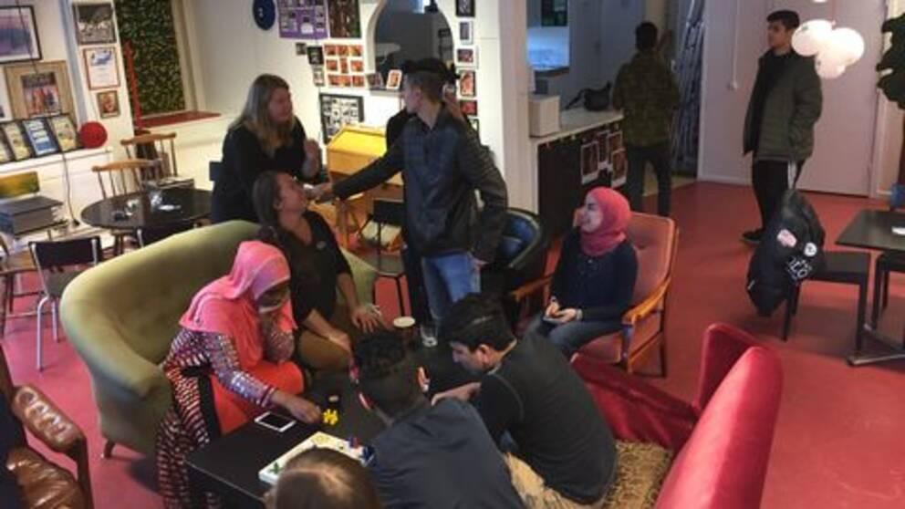 ungdomar, ensamkommande, utrikesfödda, bara en svensk, språkcafé
