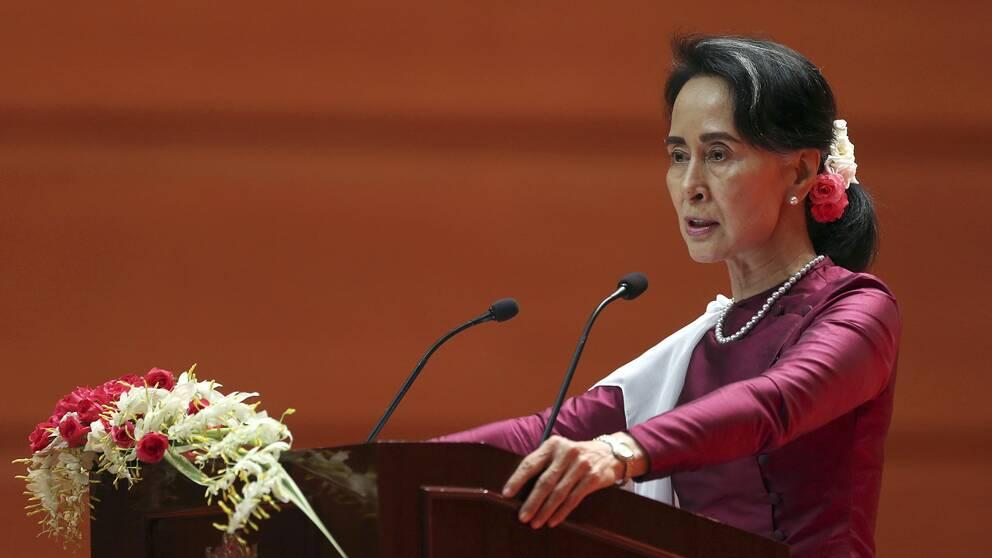 Burmas ledare Aung San Suu Kyi vann Nobels fredspris 1990, men har sedan dess mött omfattande kritik.