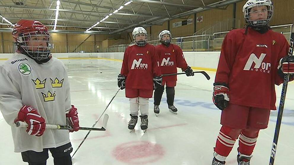 Några av hockeytjejerna i Nora HC