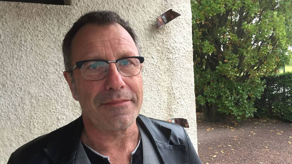 – Kyrkans mark borde vara fredad, säger Lars Johansson, kyrkoherde i Svedala.