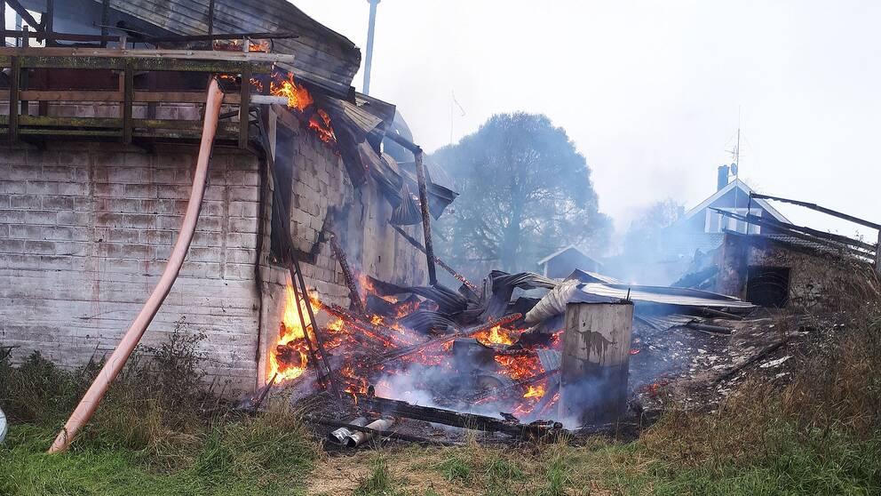 Svarslackt brand pa nybro soptipp
