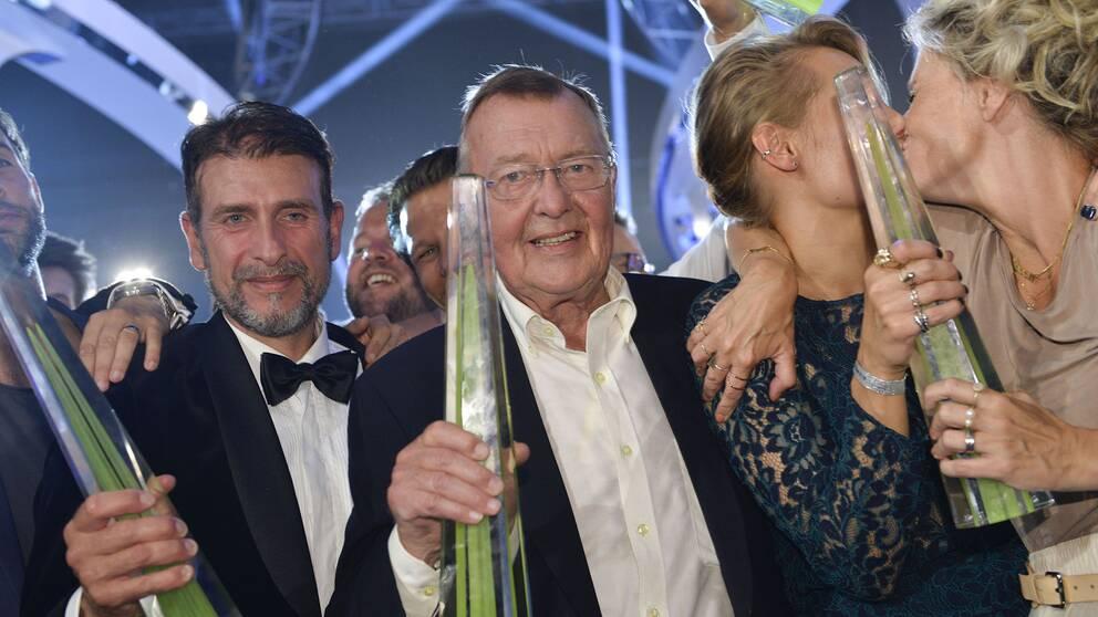 Roberto Vacchi, Bo Holmström Carina Berg och Christine Meltzer med sina priser vid Kristallengalan 2015.