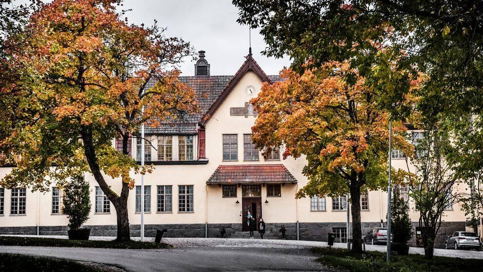 Eleven på Lundsbergs internatskola strax utanför Storfors åtalades för bland annat kränkande fotografering.