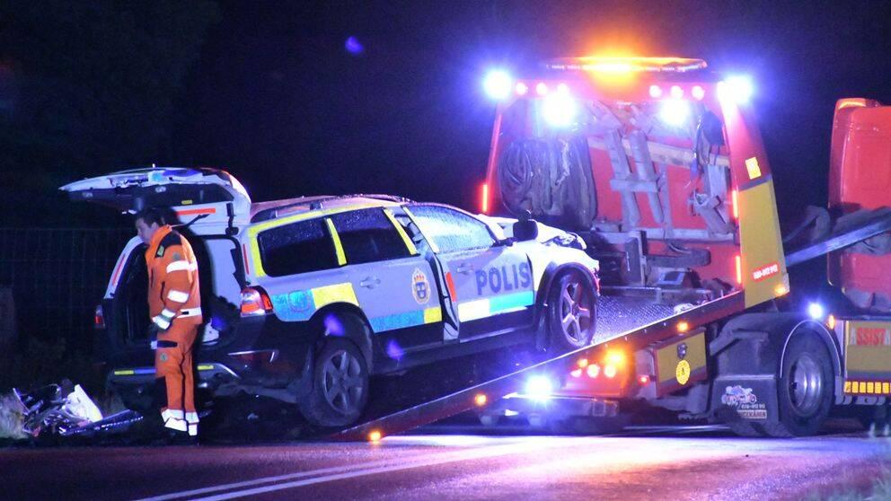 Moped i kollision med polisbil