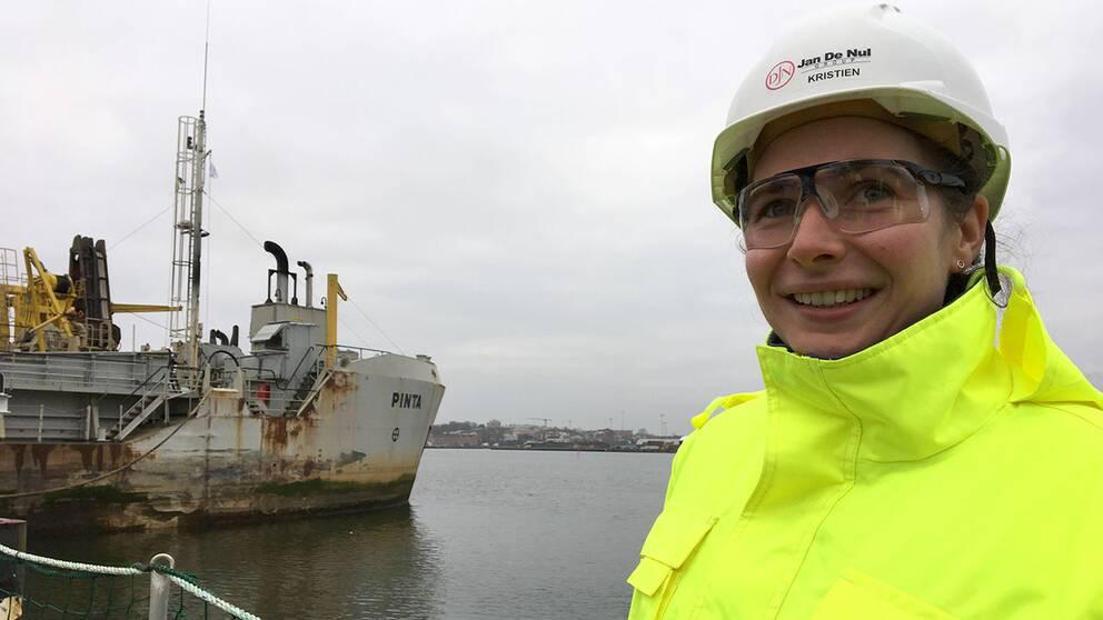Kristin Veys som är arbetsledare företaget som gör muddringen
