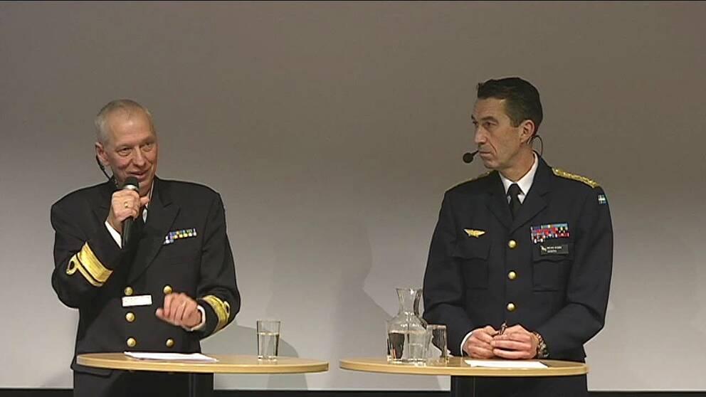 Utvärdering av militärövning Aurora 17 med Bengt Andersson, generalmajor och övningsledare och Micael Bydén, överbefälhavare.