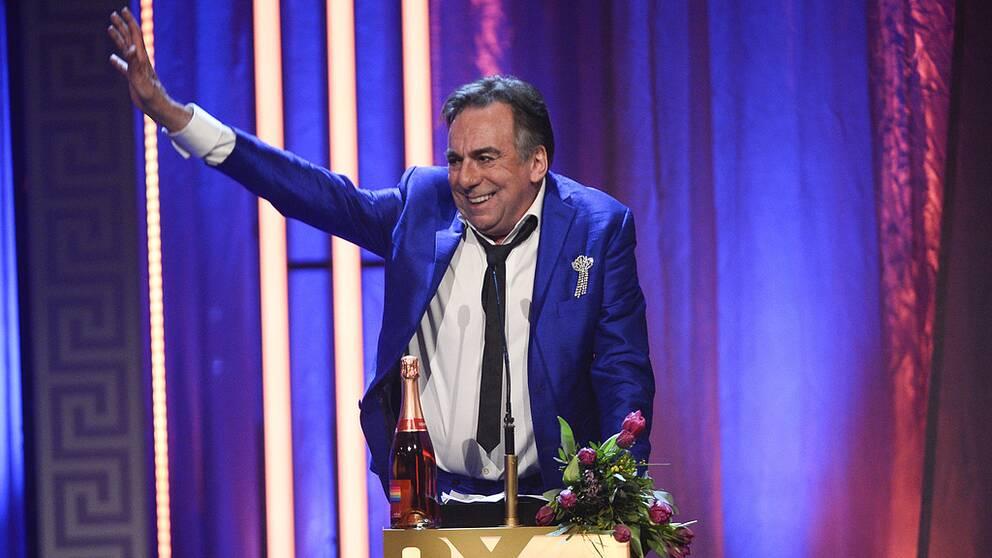 Rikard Wolff får årets hederspris på QX-galan på Cirkus i Stockholm.